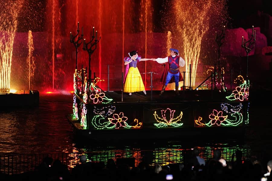 Snow White & Prince Charming in Fantasmic at Hollywood Studios