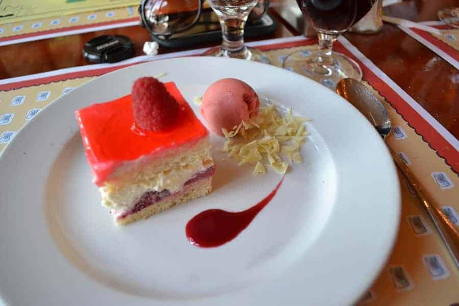 Shortcake at Les Chefs de France