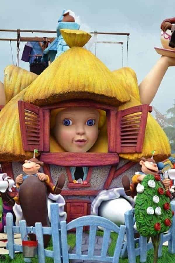 Alice in Wonderland Float in Disneyland Paris Parade