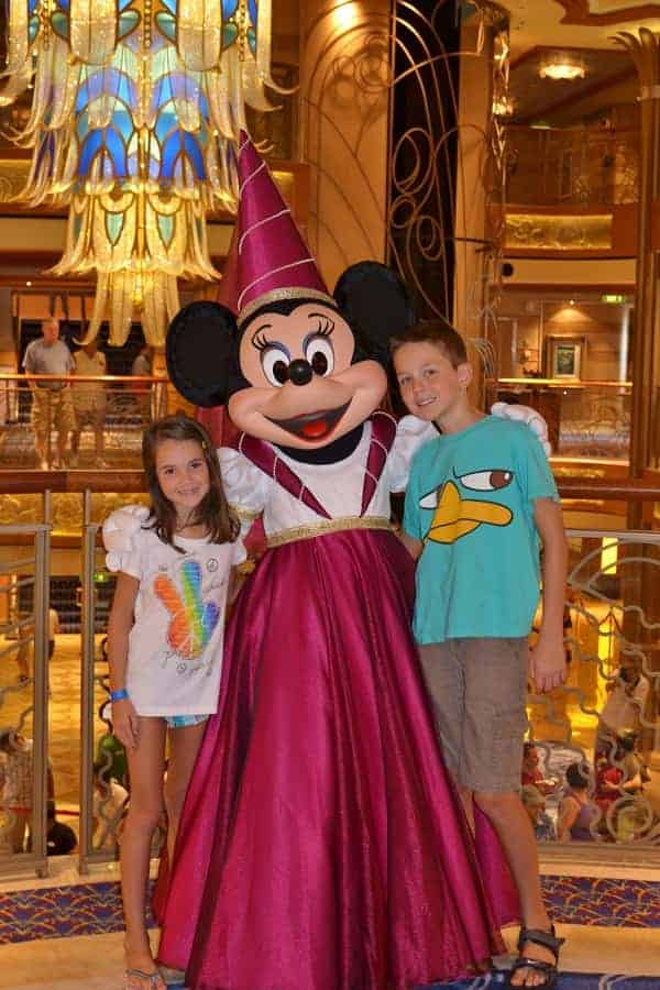 Disney Cruise Meet & Greet with Minnie Mouse