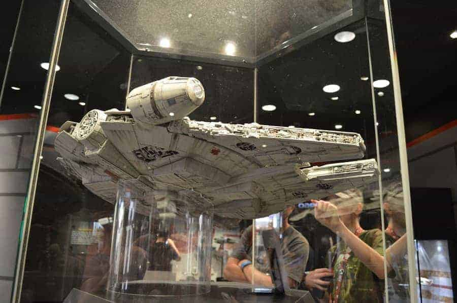 Props, artwork, and displays in Star Wars Launch Bay