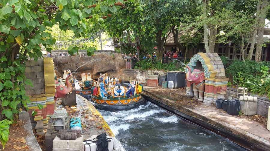 Elephants spraying Kali River Rapids guests