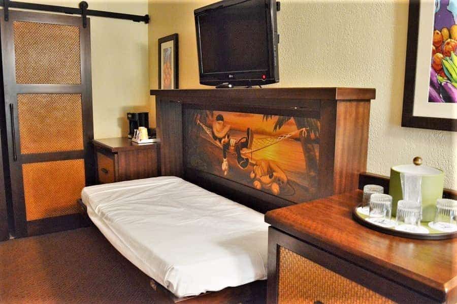 Collapsible Bed in Disney Resort Rooms