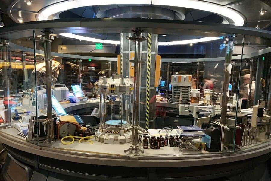 Lab in Pandora Flight of Passage Ride Line