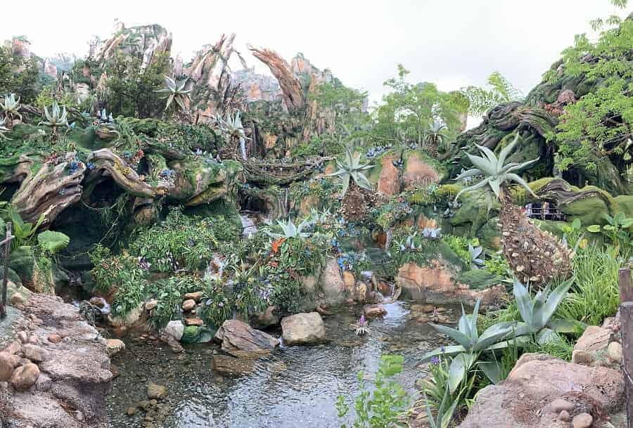 Walking through Pandora World of Avatar
