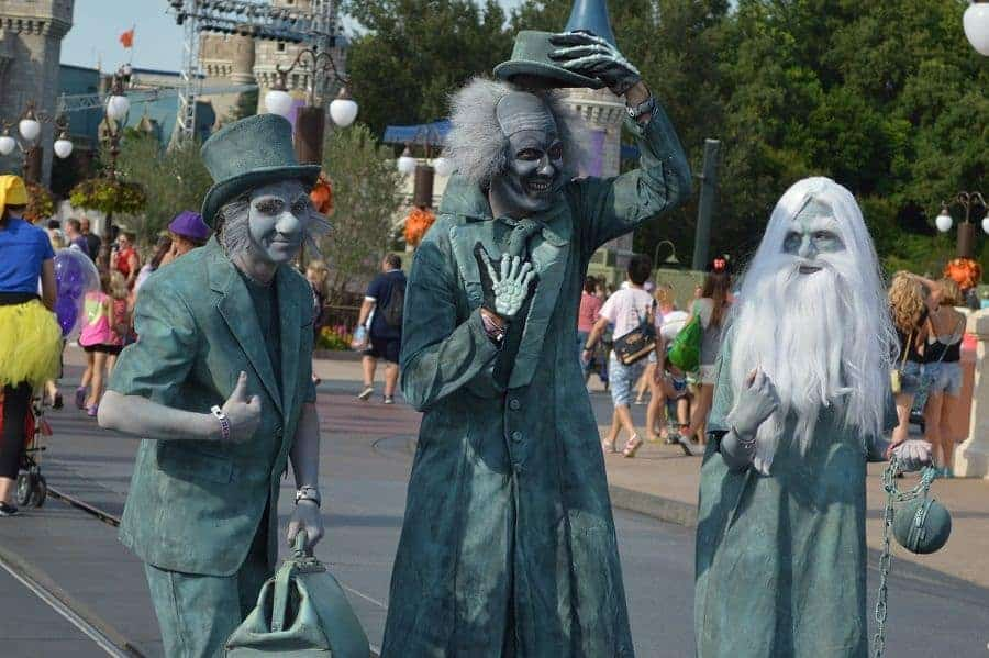 Disney Halloween Hitchhiking Ghosts