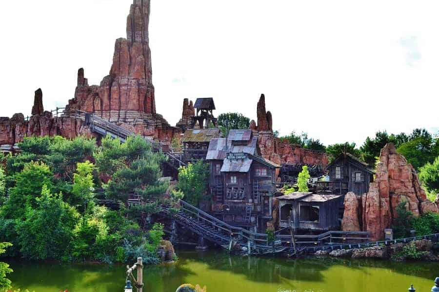 Thunder Mountain Railroad in Disneyland Paris