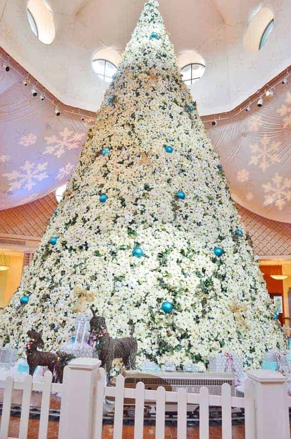 Swan & Dolphin Resort Christmas Tree