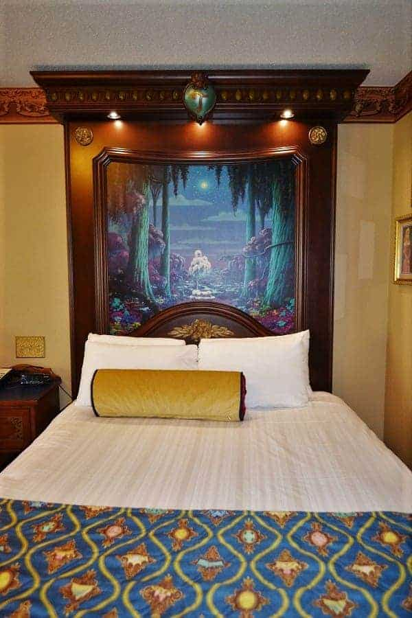Port Orleans Royal Guest Rooms Bed