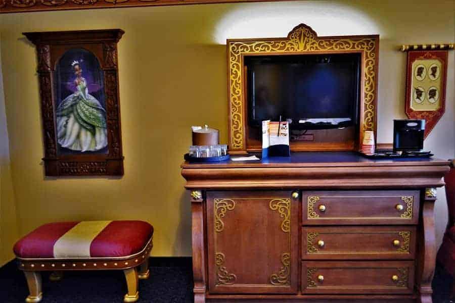 Port Orleans Royal Guest Room Furnishings