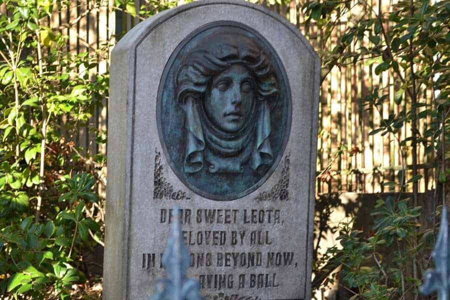 Leota's Grave at Haunted Mansion
