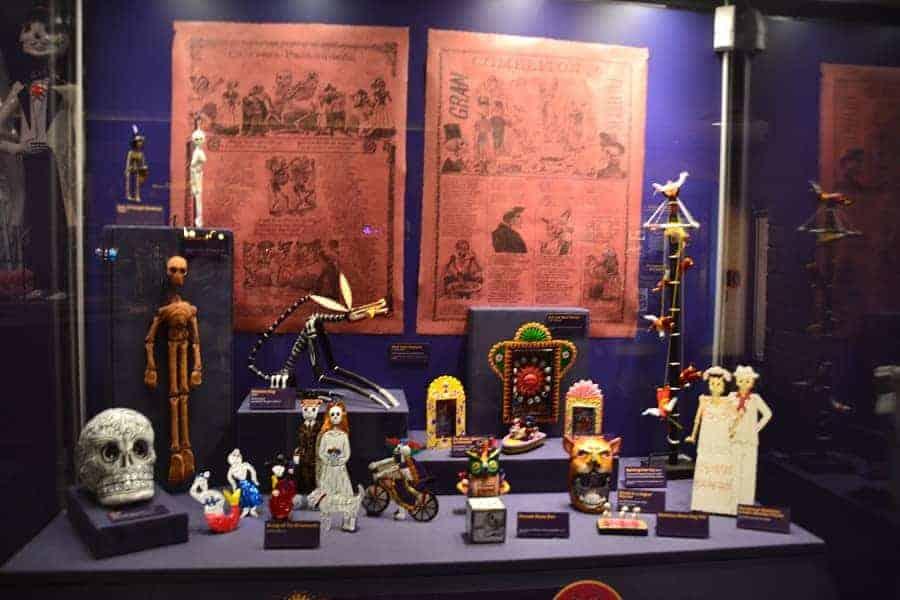 Dia de lost Muertos Displays at Epcot