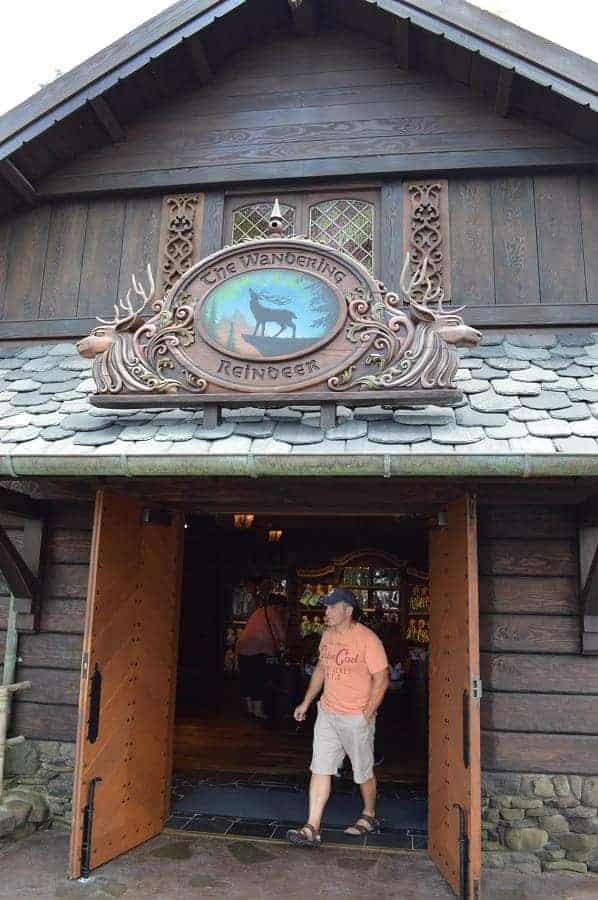 Wandering Reindeer Store