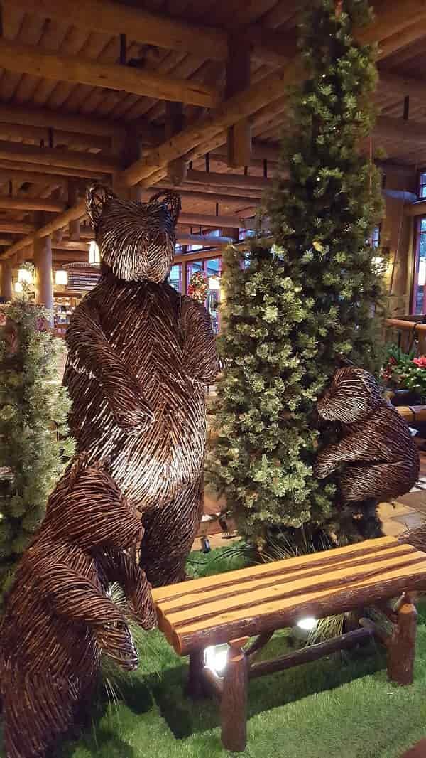 Wilderness Lodge Christmas Bears Display