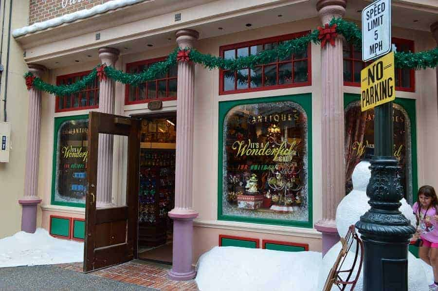 Christmas Store in Hollywood Studios