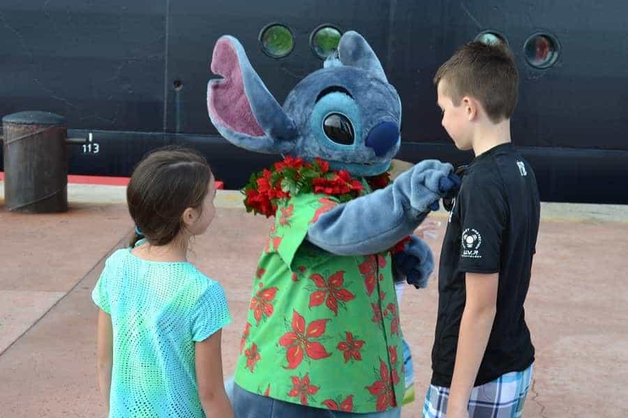 Meeting Stitch on a Disney Cruise