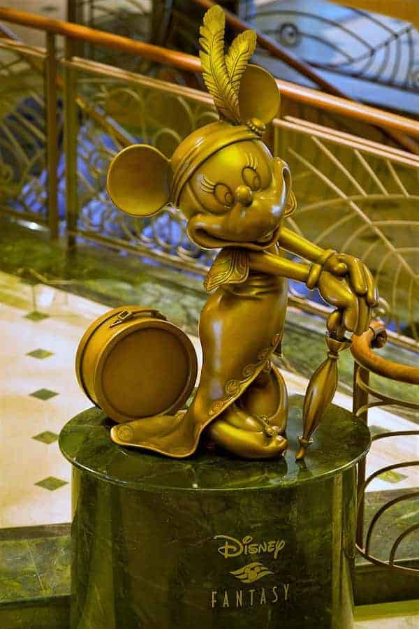 Minnie Mouse Statue on the Disney Fanstasy