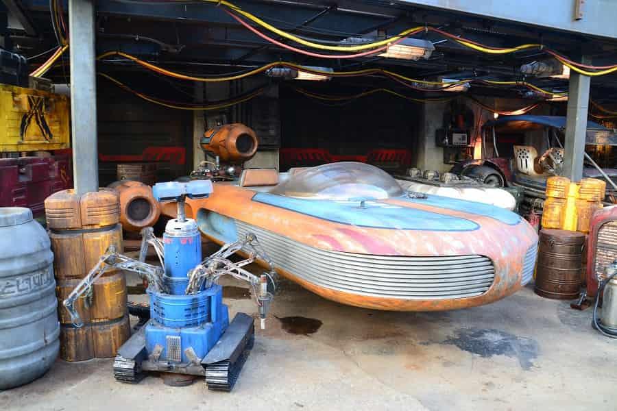 Star Wars Sand Cruiser in Galaxy's Edge