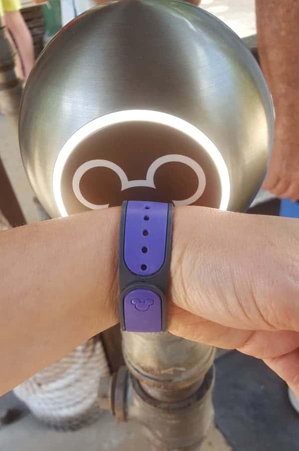 Using Disney MagicBands
