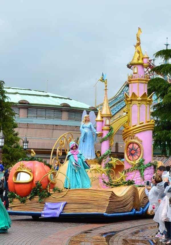 Disneyland Paris Parade in Rain