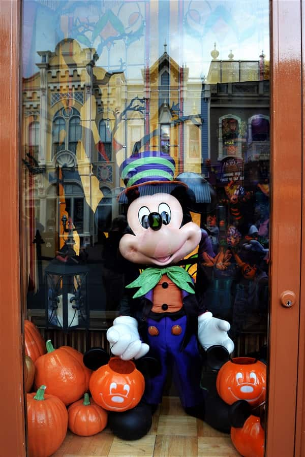 Mickey Mouse Halloween Window