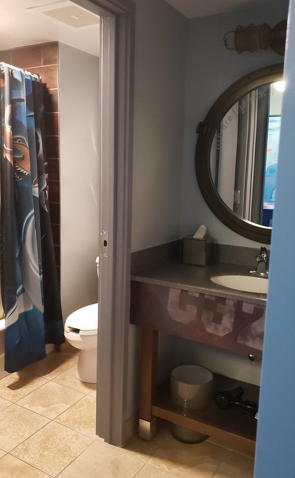 Nemo Family Suite Shared Split Bathroom